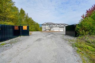 Photo 4: 3701 LINCOLN Avenue in Coquitlam: Burke Mountain House for sale : MLS®# R2625466