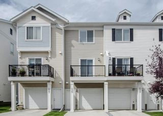 Photo 2: 135 SILVERADO Common SW in Calgary: Silverado Row/Townhouse for sale : MLS®# A1075373