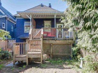 Photo 19: 1613 E 4TH AVENUE in Vancouver: Grandview VE House for sale (Vancouver East)  : MLS®# R2096953