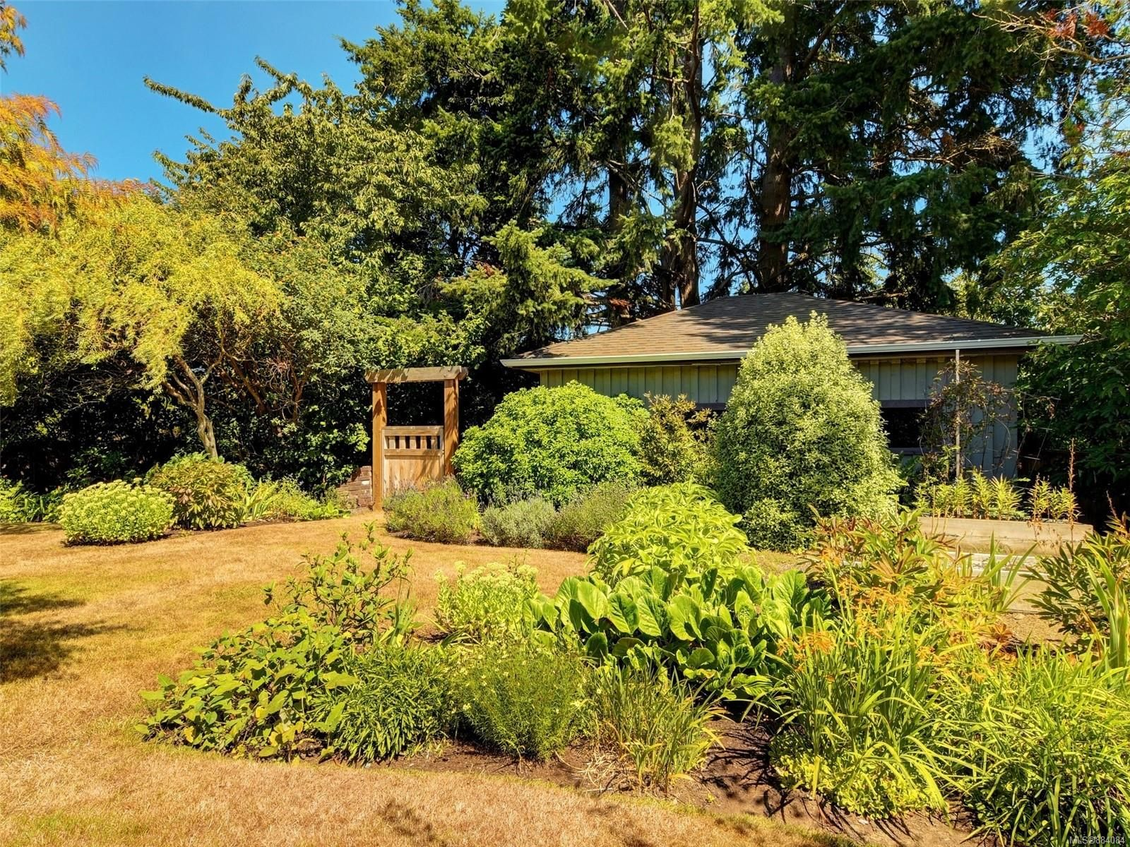 Photo 21: Photos: 6555 Country Rd in : Sk Sooke Vill Core House for sale (Sooke)  : MLS®# 884084