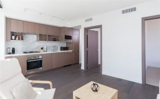 """Photo 4: 1756 38 SMITHE Street in Vancouver: Downtown VW Condo for sale in """"ONE PACIFIC"""" (Vancouver West)  : MLS®# R2106045"""