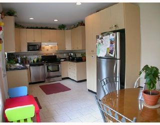 Photo 6: 4952 DOMINION Street in Burnaby: Central BN 1/2 Duplex for sale (Burnaby North)  : MLS®# V702179
