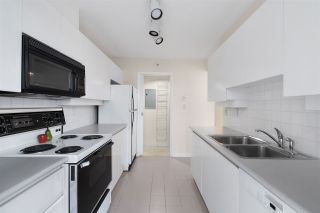 """Photo 15: 302 2288 PINE Street in Vancouver: Fairview VW Condo for sale in """"THE FAIRVIEW"""" (Vancouver West)  : MLS®# R2519056"""