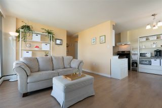 """Photo 8: 2001 1330 HARWOOD Street in Vancouver: West End VW Condo for sale in """"Westsea Towers"""" (Vancouver West)  : MLS®# R2481214"""