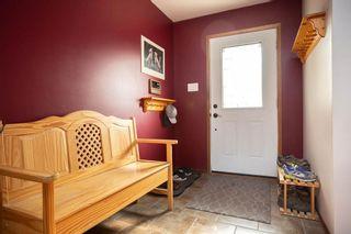 Photo 2: 108 ORKNEY Drive in Winnipeg: East St Paul Residential for sale (3P)  : MLS®# 202023575