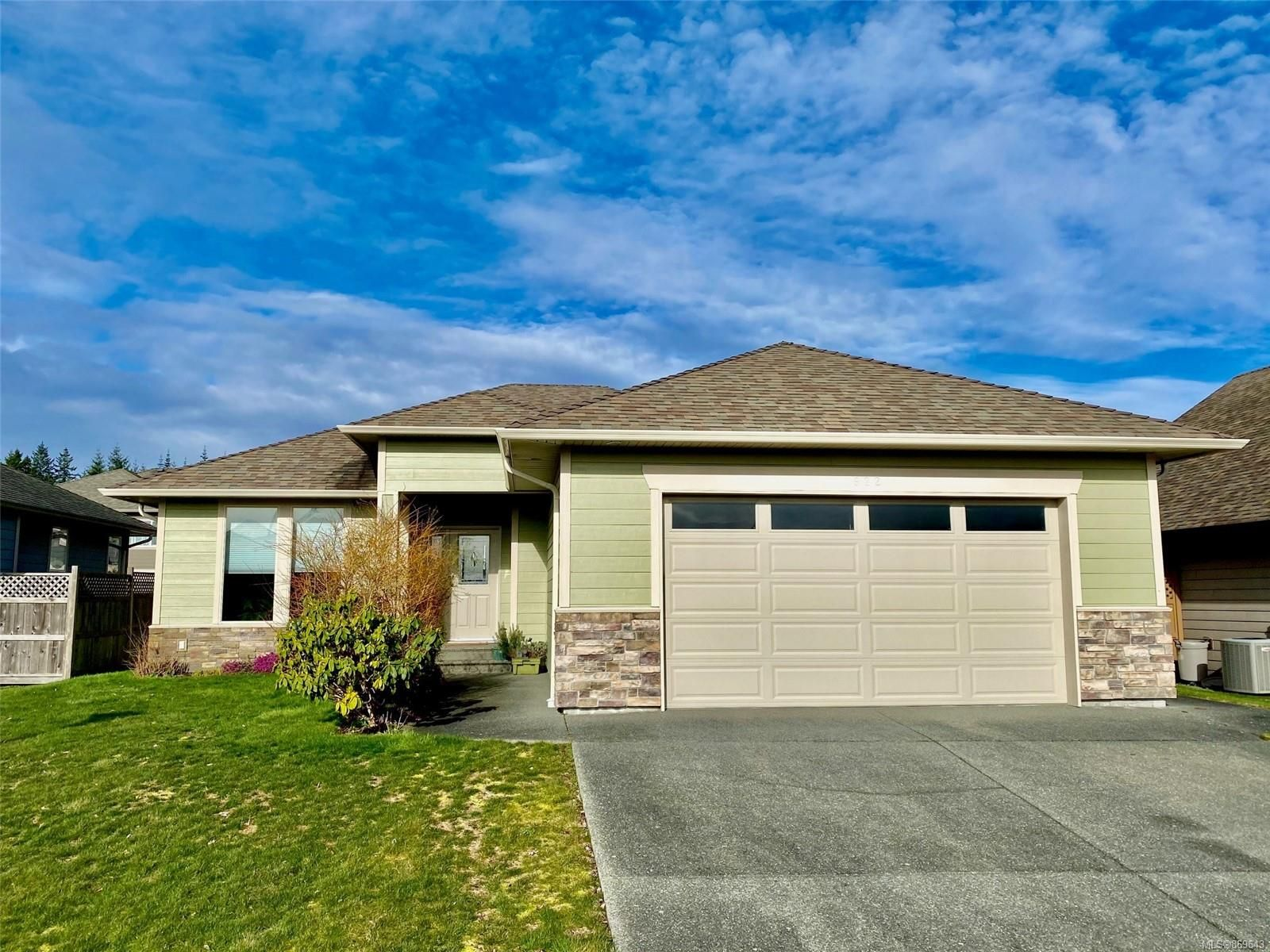 Main Photo: 922 Cordero Cres in : CR Willow Point House for sale (Campbell River)  : MLS®# 869643