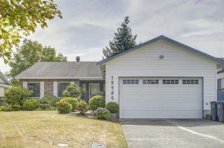 Photo 1: 15484 19 Avenue in Surrey: King George Corridor House for sale (South Surrey White Rock)  : MLS®# R2398510