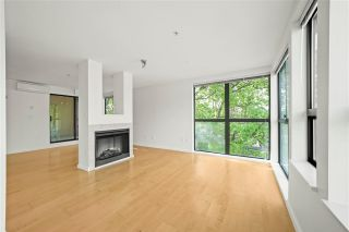 """Photo 4: 505 997 W 22ND Avenue in Vancouver: Cambie Condo for sale in """"The Crescent in Shaughnessy"""" (Vancouver West)  : MLS®# R2579625"""