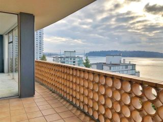 """Photo 10: 801 2135 ARGYLE Avenue in West Vancouver: Dundarave Condo for sale in """"THE CRESCENT"""" : MLS®# R2320802"""