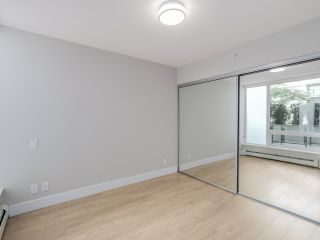 """Photo 11: 221 1783 MANITOBA Street in Vancouver: False Creek Condo for sale in """"Residences at West"""" (Vancouver West)  : MLS®# R2055907"""