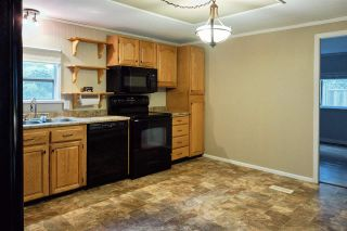 Photo 10: 1086 ROSAMUND Road in Gibsons: Gibsons & Area Manufactured Home for sale (Sunshine Coast)  : MLS®# R2576197