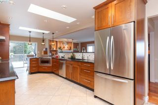 Photo 7: 8850 Moresby Park Terr in NORTH SAANICH: NS Dean Park House for sale (North Saanich)  : MLS®# 780144