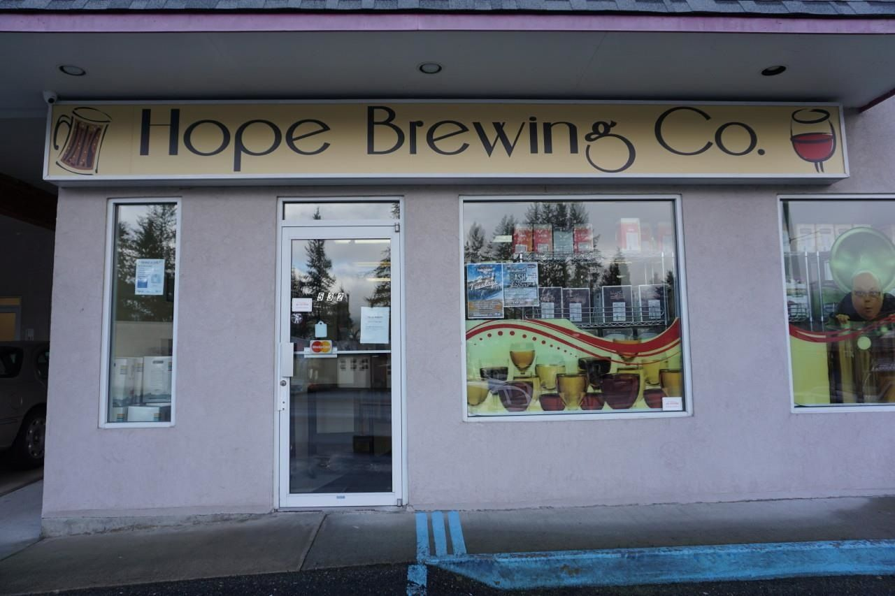 Main Photo: 1 536 WALLACE Street in Hope: Hope Center Business for sale : MLS®# C8039117