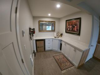 Photo 18: 6347 SAMRON Road in Sechelt: Sechelt District House for sale (Sunshine Coast)  : MLS®# R2426057