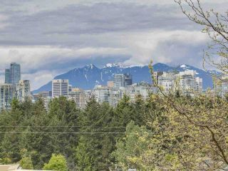 """Photo 11: 58 870 W 7TH Avenue in Vancouver: Fairview VW Townhouse for sale in """"Laurel Court"""" (Vancouver West)  : MLS®# R2169394"""