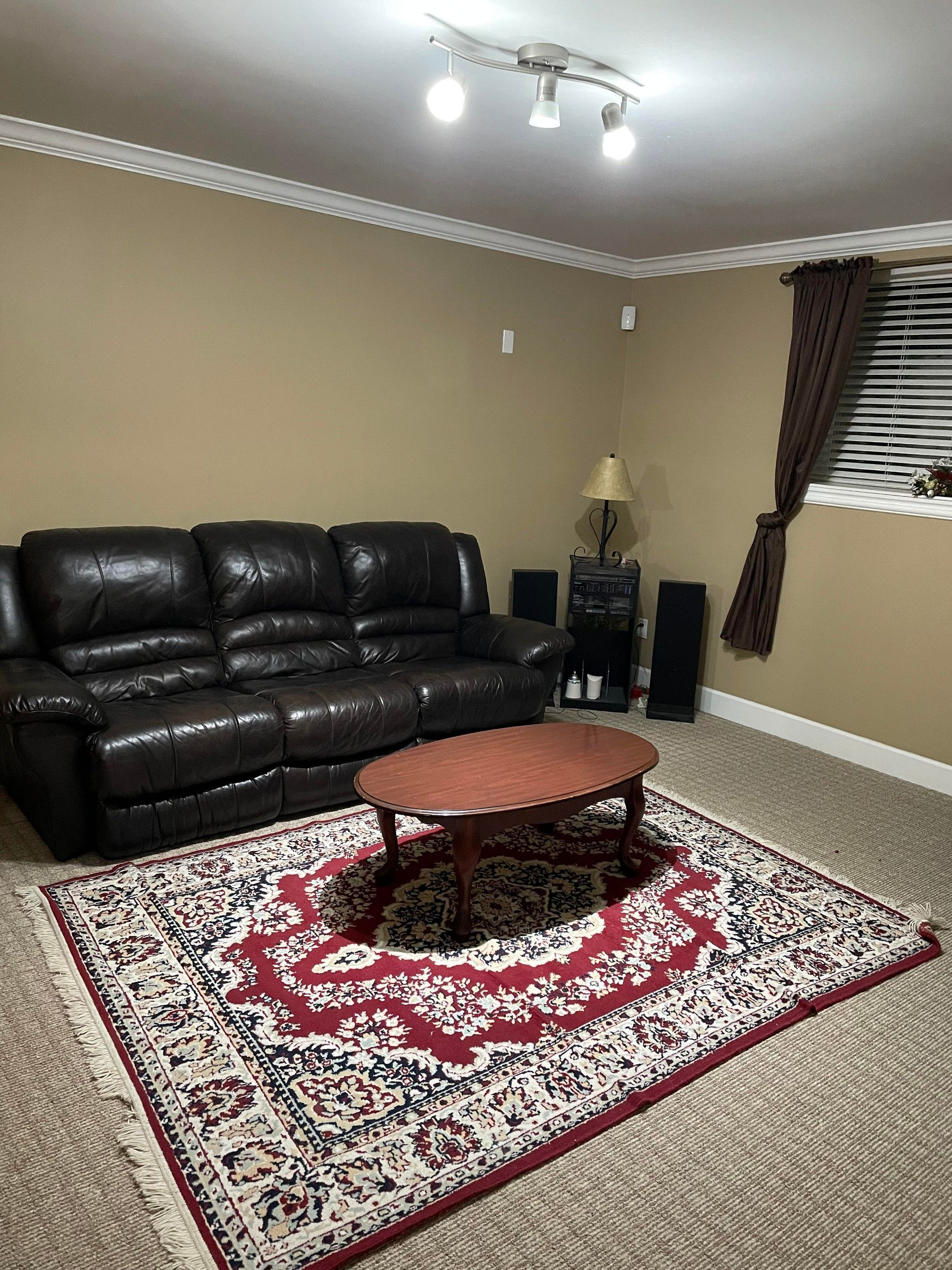 Photo 4: Photos: Lower level 2 bed 2648 Bendale Place in North Vancouver: Blueridge House for rent