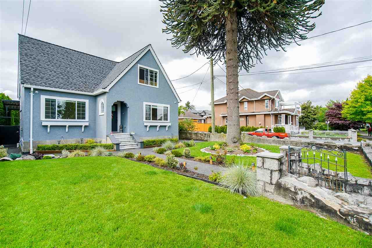 """Main Photo: 1701 DUBLIN Street in New Westminster: West End NW House for sale in """"WEST END"""" : MLS®# R2461902"""