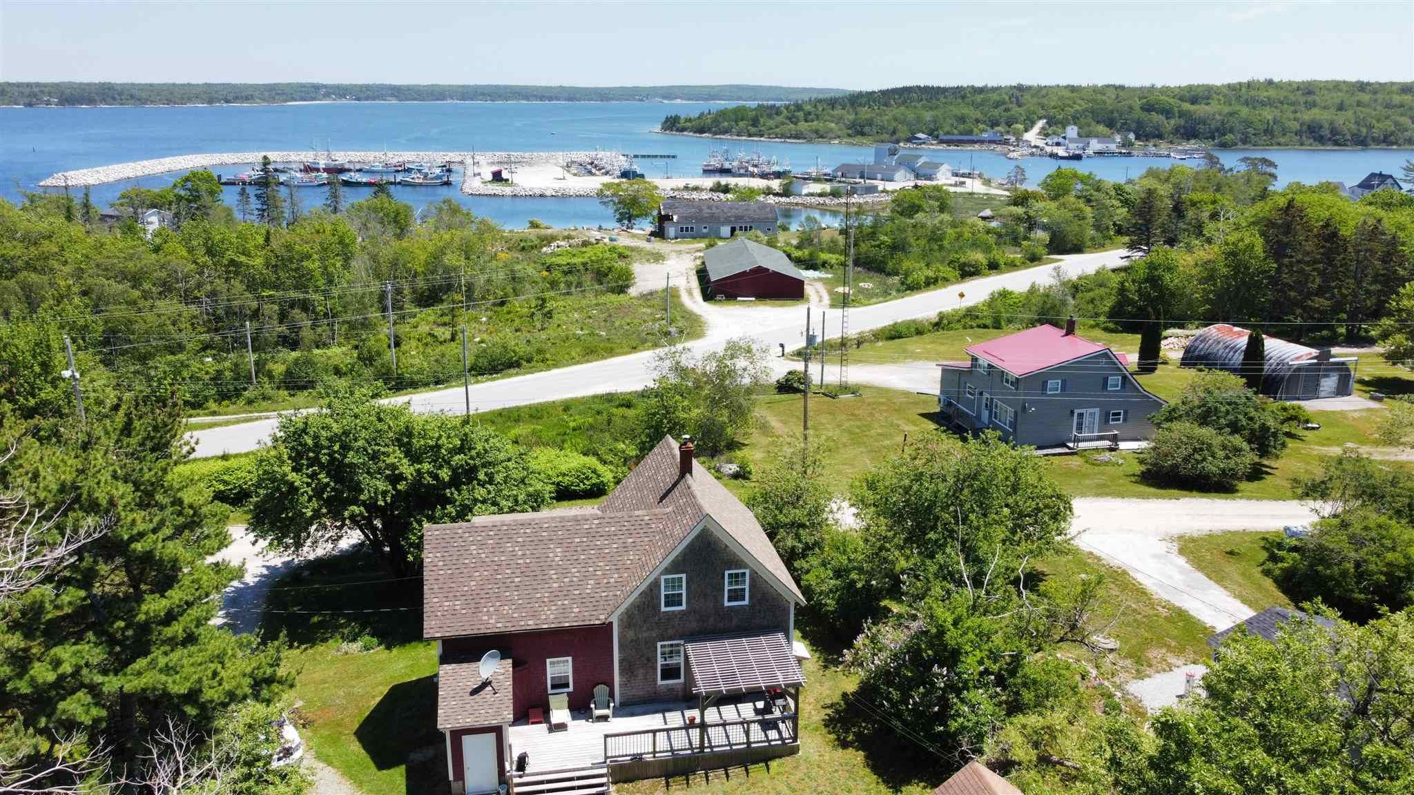 Main Photo: 12 Fire Hall Road in Gunning Cove: 407-Shelburne County Residential for sale (South Shore)  : MLS®# 202115302