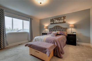 Photo 6: 1215 Bombardier Cres in Langford: La Westhills House for sale : MLS®# 817906
