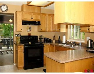 Photo 2: # 2 36105 MARSHALL RD in Abbotsford: Abbotsford East Condo for sale : MLS®# F2913010