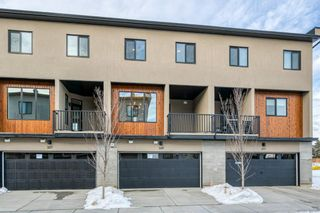 Photo 3: 309 81 Greenbriar Place NW in Calgary: Greenwood/Greenbriar Row/Townhouse for sale : MLS®# A1058995