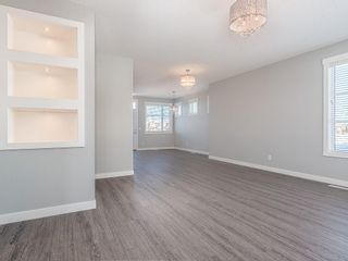Photo 3: 166 SKYVIEW Circle NE in Calgary: Skyview Ranch Row/Townhouse for sale : MLS®# C4277691