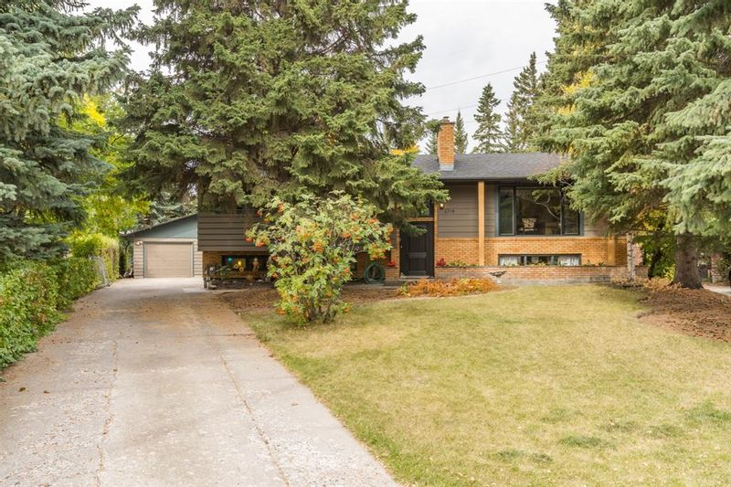 FEATURED LISTING: 6714 Leaside Drive Southwest Calgary