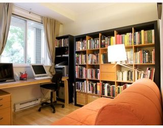 "Photo 5: 105 2588 ALDER Street in Vancouver: Fairview VW Condo for sale in ""BOLLERT PLACE"" (Vancouver West)  : MLS®# V766148"