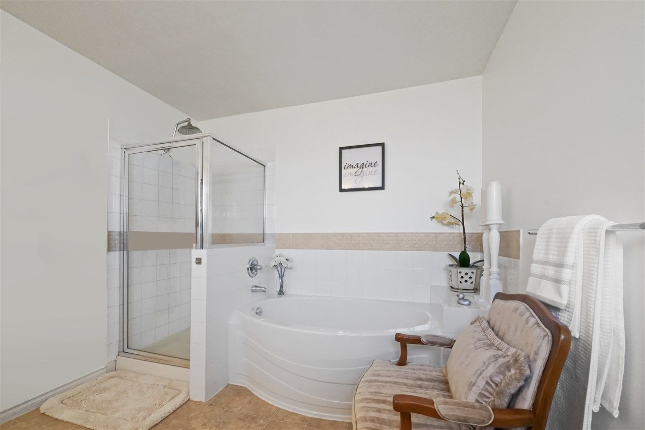 """Photo 13: Photos: 6686 205A Street in Langley: Willoughby Heights House for sale in """"WILLOW RIDGE"""" : MLS®# R2346126"""