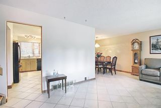 Photo 3: 3203 Oakwood Drive SW in Calgary: Oakridge Detached for sale : MLS®# A1109822