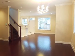 Photo 4: 4866 MOSS Street in Vancouver: Collingwood VE House for sale (Vancouver East)  : MLS®# R2227855
