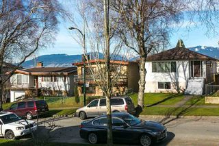 Photo 18: 2760 E 27TH Avenue in Vancouver: Renfrew Heights House for sale (Vancouver East)  : MLS®# R2033355