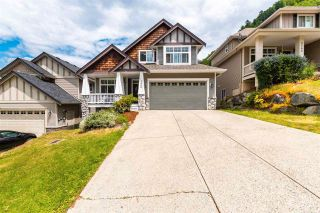 Photo 2: 5566 THOM CREEK Drive in Chilliwack: Promontory House for sale (Sardis)  : MLS®# R2590349