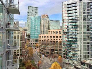 """Photo 17: 1204 821 CAMBIE Street in Vancouver: Downtown VW Condo for sale in """"RAFFLES ON ROBSON"""" (Vancouver West)  : MLS®# R2233653"""