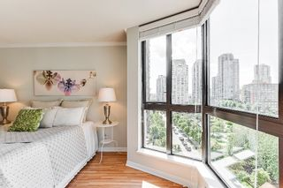 """Photo 11: 906 488 HELMCKEN Street in Vancouver: Yaletown Condo for sale in """"Robinson Tower"""" (Vancouver West)  : MLS®# R2086319"""