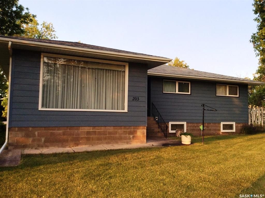 Main Photo: 203 4th Avenue South in Big River: Residential for sale : MLS®# SK869614
