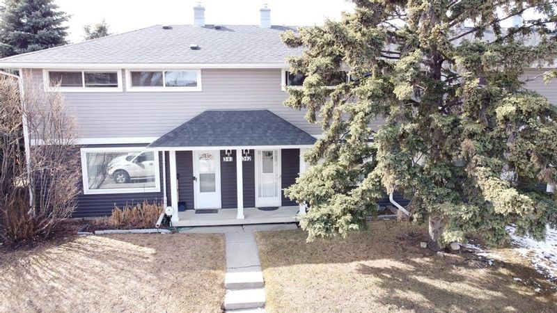 FEATURED LISTING: 341 Regal Park Northeast Calgary