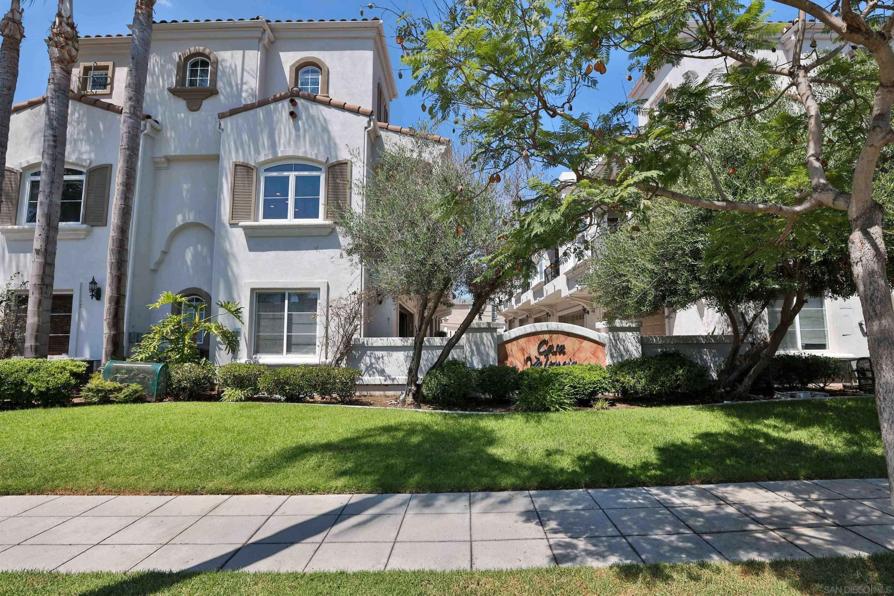 Main Photo: HILLCREST Condo for sale : 3 bedrooms : 3620 Indiana St #101 in San Diego