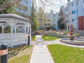 Photo 2: 302 30 SIERRA MORENA Mews SW in Calgary: Signal Hill Condo for sale : MLS®# C4062725