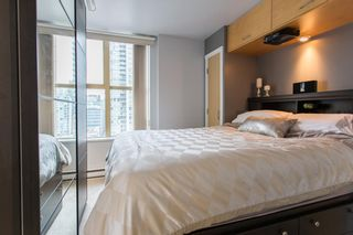 """Photo 11: 1903 969 RICHARDS Street in Vancouver: Downtown VW Condo for sale in """"MONDRIAN II"""" (Vancouver West)  : MLS®# R2026391"""