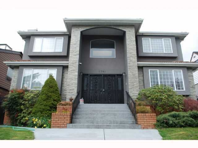 "Main Photo: 1741 E 59TH Avenue in Vancouver: Fraserview VE House for sale in ""FRASERVIEW"" (Vancouver East)  : MLS®# V845445"