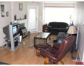 """Photo 2: 102 33668 KING RD in Abbotsford: Poplar Condo for sale in """"College Park"""" : MLS®# F2616857"""