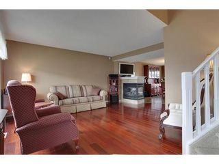 Photo 2: 463 PRESTWICK Circle SE in Calgary: 2 Storey for sale : MLS®# C3524474
