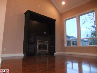 Photo 3: 6728 148A ST in Surrey: East Newton House for sale : MLS®# F1025454