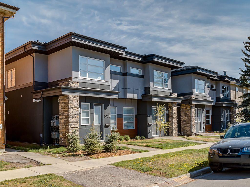 Main Photo: 4 2016 35 Avenue SW in Calgary: Altadore House for sale : MLS®# C4062304