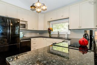 Photo 3: 369 Park Street in Kentville: 404-Kings County Residential for sale (Annapolis Valley)  : MLS®# 202124542