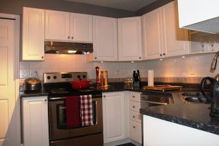 Photo 5: 320 7151121 Street in The Highlands: Home for sale : MLS®# R2212811