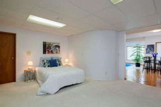 Photo 38: 27 Strathlorne Bay SW in Calgary: Strathcona Park Detached for sale : MLS®# A1120430