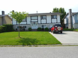 Photo 1: 17864 57A Avenue in Surrey: Cloverdale BC House for sale (Cloverdale)  : MLS®# F1411412