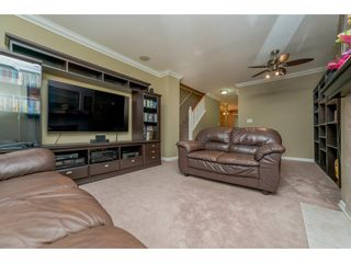 "Photo 5: 63 16388 85 Avenue in Surrey: Fleetwood Tynehead Townhouse for sale in ""CAMELOT"" : MLS®# R2176238"
